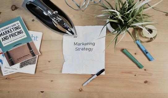 estrategia de marketing para logotipo